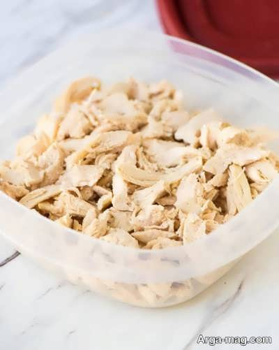 مرغ رنده شده جهت تهیه سمبوسه مرغ