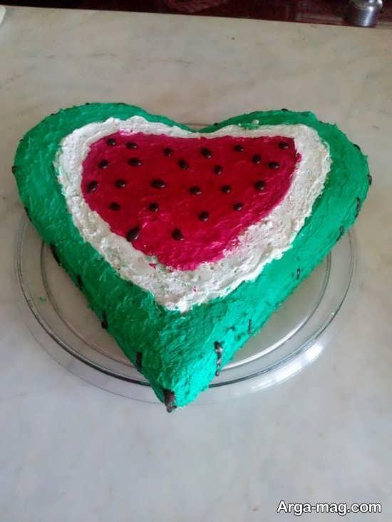 تزیین کیک شب یلدا به شکل هندوانه
