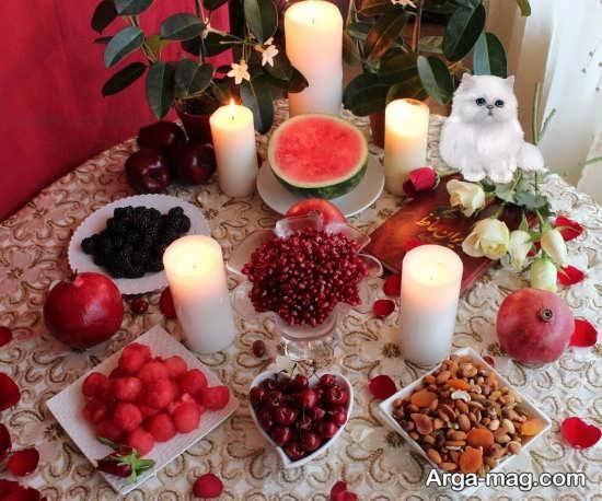 تزیین زیبا میز شب یلدا با شمع