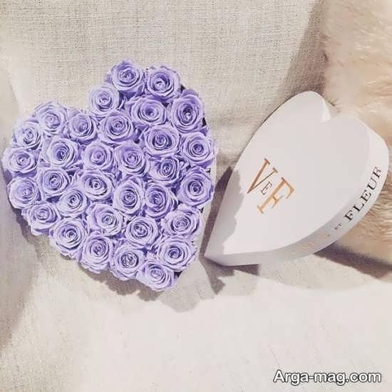 تزئین گل داخل جعبه طرح قلب