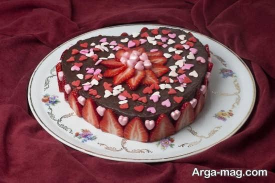تزئین کیک با لایه شکلات