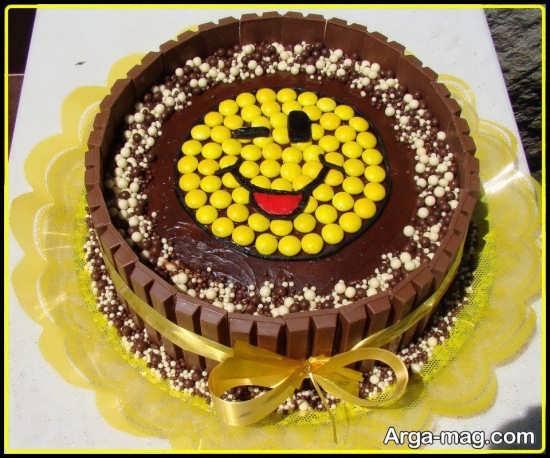 تزئین کیک با استفاده از شکلات