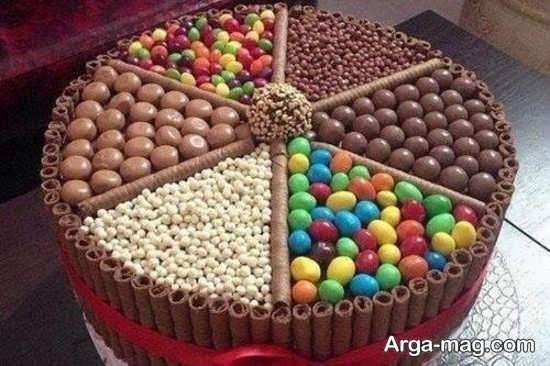 تزئین کیک با انواع شکلات