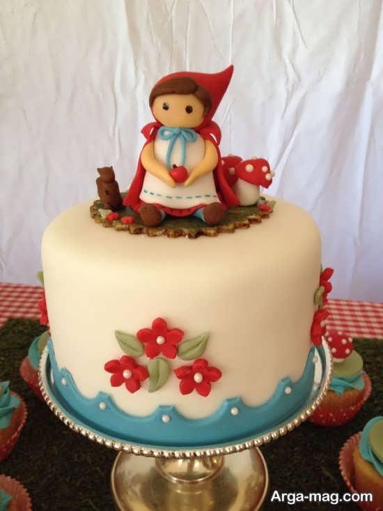 تزیین کیک با تم تولد شنل قرمزی