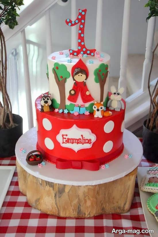 تزیین کیک تولد با تم شنل قرمزی