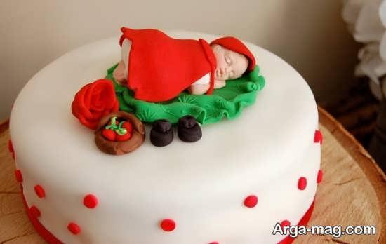 تزیین عالی کیک با تم شنل قرمزی