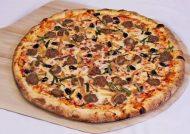 طرز تهیه پیتزا کالباس و قارچ
