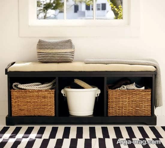 استفاده از قفسه با فضای مخفی در چیدمان دکوراسیون آپارتمان کوچک