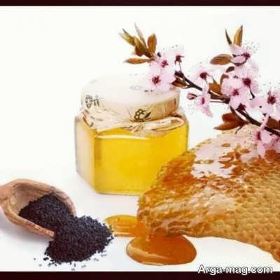 برطرف کردن پیسی و لک سفید صورت با سیاه دانه و عسل