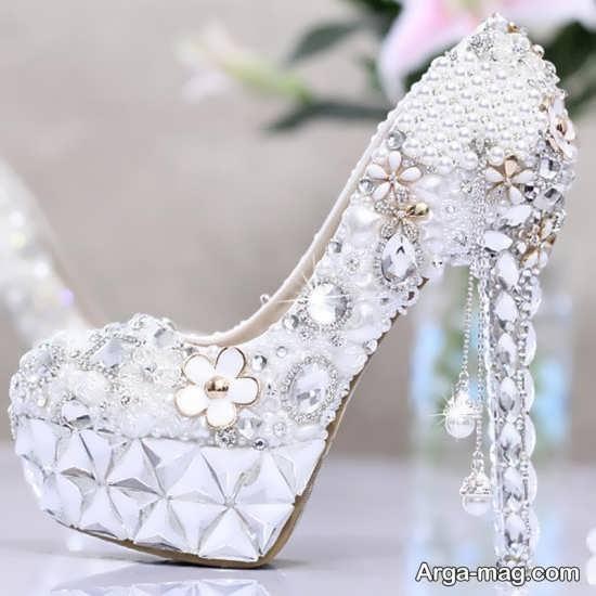 مدل کفش عروس با نگین کاری