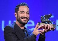 نوید محمدزاده بعد از چند روز در نمایش موزیکال «الیورتوئیست» تغییر چهره داد