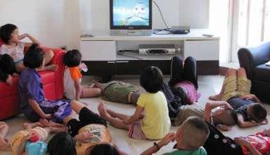 تماشای تلویزیون برای کودکان آری یا خیر؟