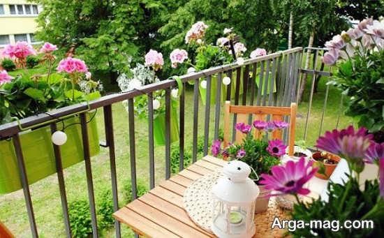 تزیین بالکن با گل های زینتی