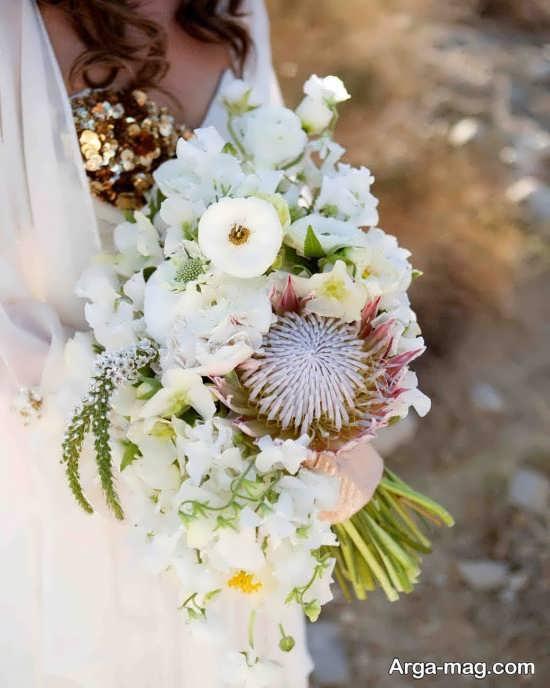 دسته گل عروس با گل های سفید