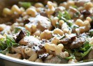 طرز تهیه پاستا مرغ و قارچ