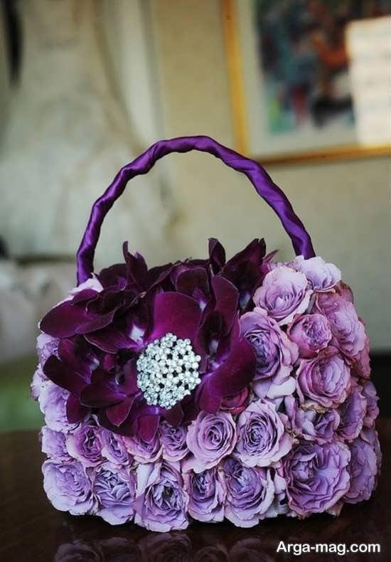 تزیین زیبای کیف با گل طبیعی