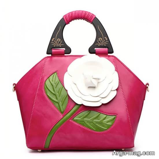 طراحی متفاوت کیف با گل برجسته