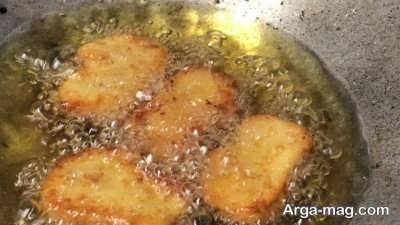 سرخ کردن ناگت گوشت