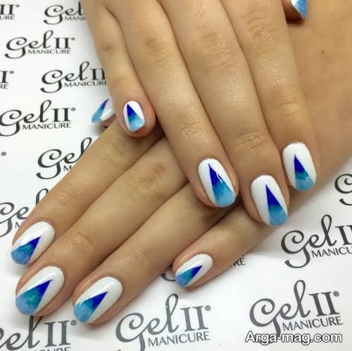 طراحی ناخن با لاک سفید و آبی