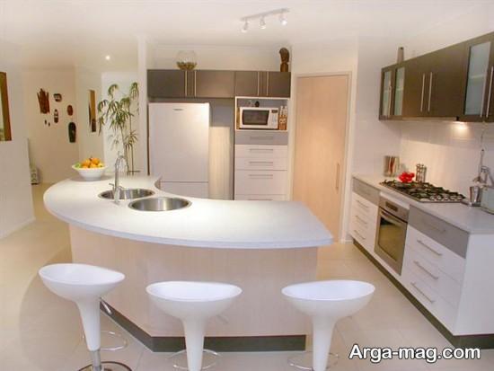 آشپزخانه باصندلی زیبا