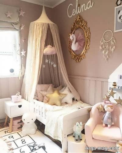 تزیین تخت خواب نوزاد با پرده
