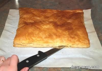 نصف کردن خمیر هزارلا با چاقو