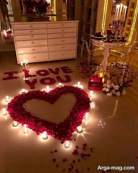 چیدمان منزل با گلبرگ و شمع عاشقانه و زیبا