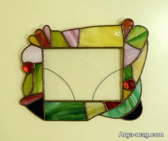 طرح متفاوتی از قاب نقاشی شده آینه