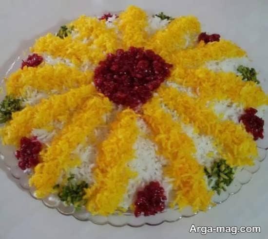 تزیین برنج با زعفران و رنگ