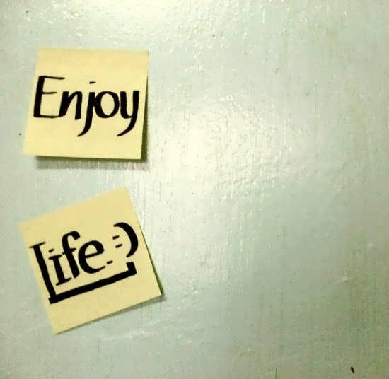 enjoy life 1 - عکس انرژی مثبت برای پروفایل شبکه های اجتماعی