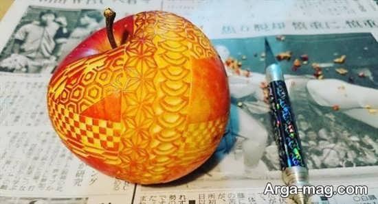 تزئین سیب با ابزار مخصوص