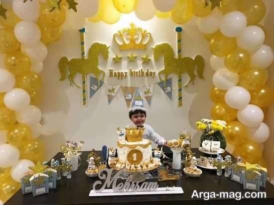 تم تولد پسرانه تاج طلایی