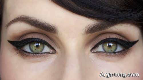 آرایش چشم دخترانه گربه ای