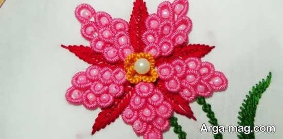 طراحی زیبای پارچه با گلدوزی