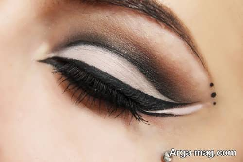 خط چشم زنانه گربه ای