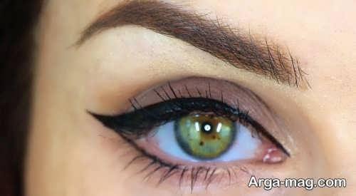 خط چشم دخترانه گربه ای