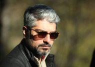 مهدی پاکدل در کنار مردم به تماشای فیلم چهارراه استانبول نشست