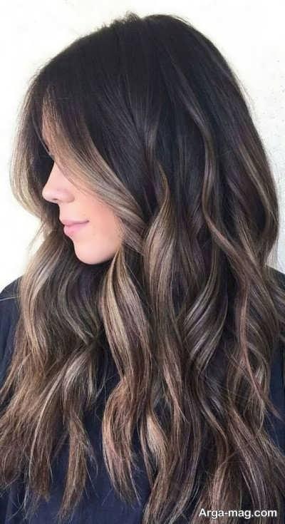 رنگ موی شکلاتی دودی با هایلایت