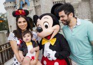 ژست عکس خانوادگی به شکل فوق العاده