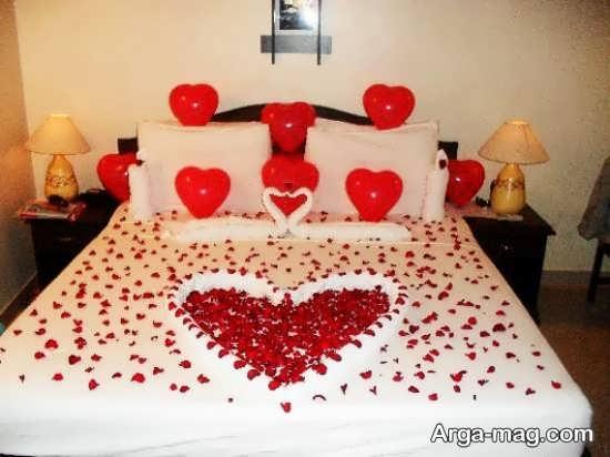 دکوراسیون تخت خواب عروس با بادکنک
