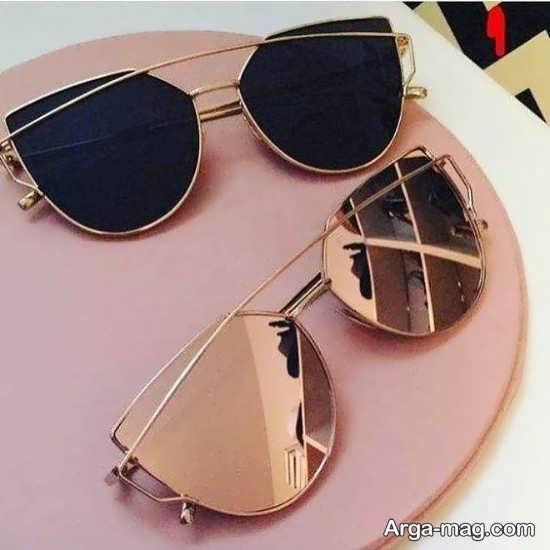 عینک آفتابی در دو رنگ مختلف