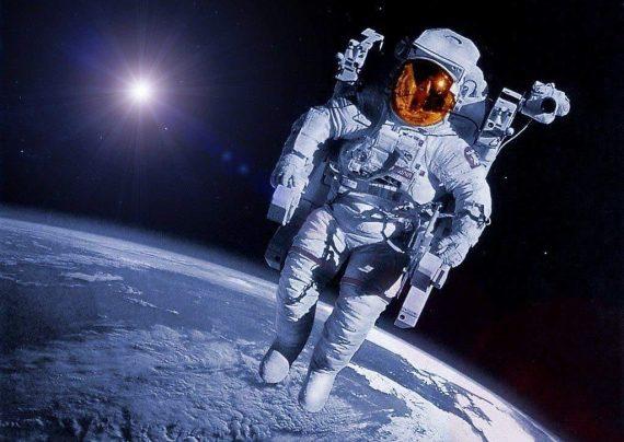لباس های جدید فضانوردان توالت اورژانسی خواهد داشت