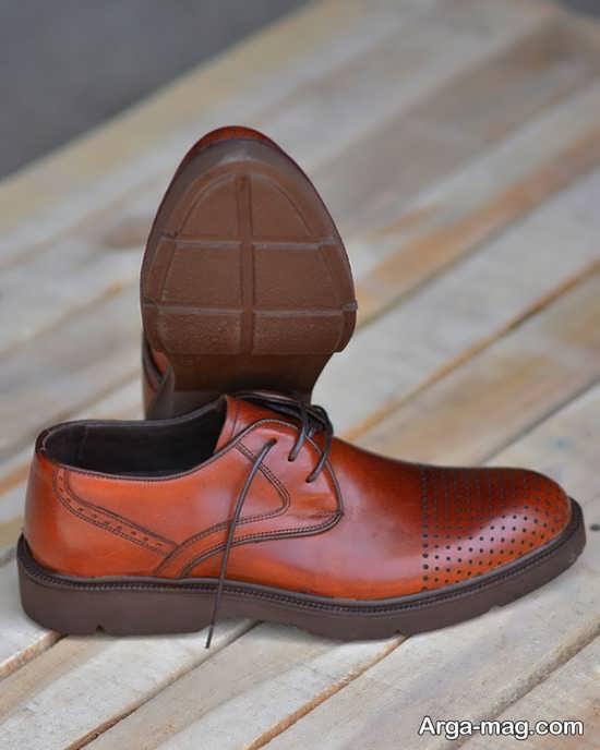 نمونه مدل کفش چرم مردانه با رنگ خاص