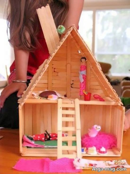 making house with ice cream sticks 1 - ایده های خلاقانه برای ساخت خانه با استفاده از چوب بستنی