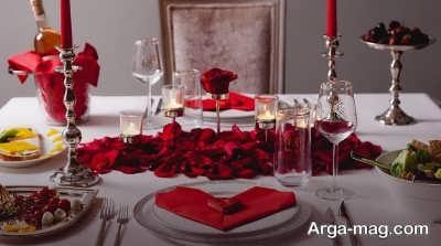 میز غذا با تزیین مخصوص ولنتاین
