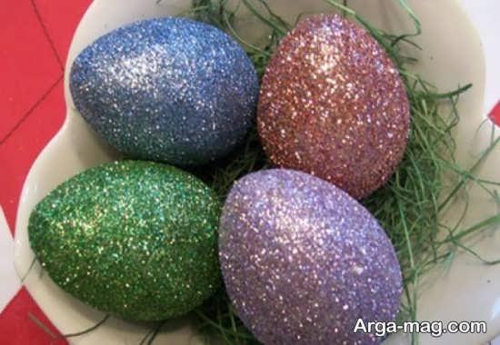 رنگ کردن تخم مرغ با چسب و اکلیل