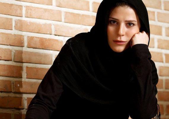 سحر دولتشاهی در اکران فیلم چهارراه استانبول حاضر شد