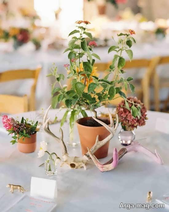 طراحی جذاب میز شام عروسی با گل