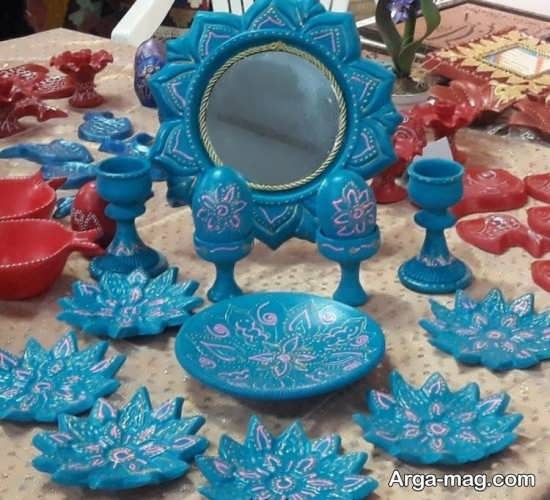 تزیین هفت سین با لعاب آبی رنگ