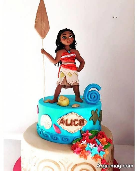تزیین زیبای کیک موانا